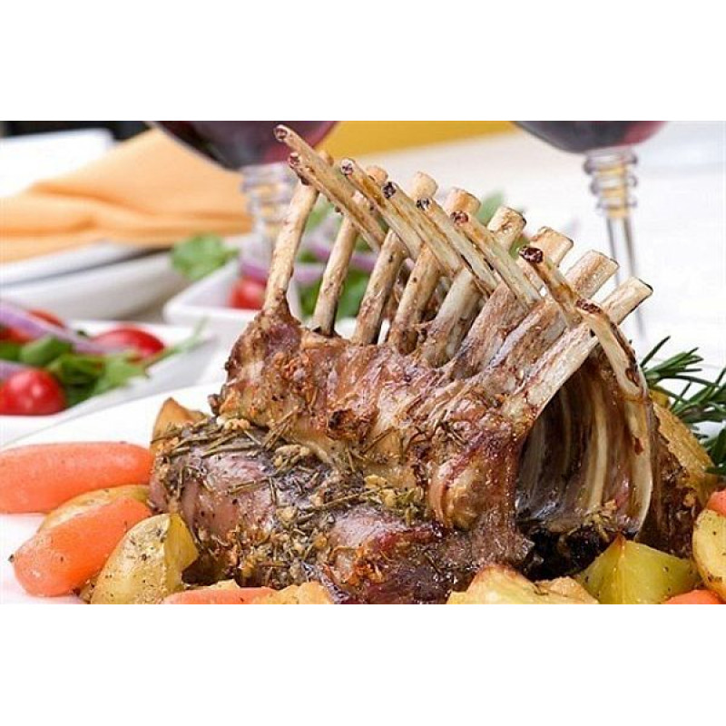 Корона из свиного каре, овощами гриль